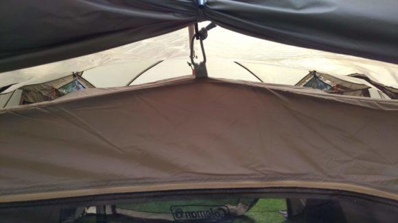 コールマンの吊り下げ式テント