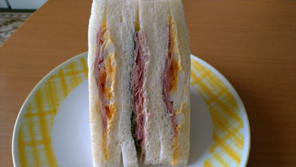 セブンイレブンサンドイッチおすすめ③たっぷりハムとたまご